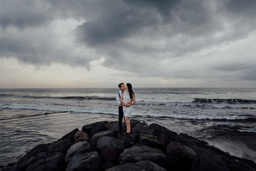 baliweddingphotographers-lembonganislandwedding-lombokweddingphotographers-pandeheryana-engagement-postweddinginbali-baliphotographers-4