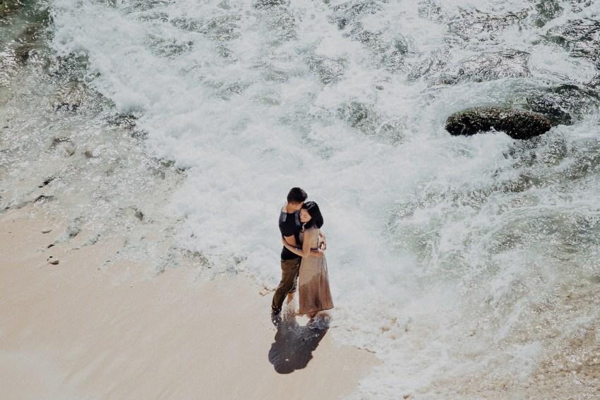 baliweddingphotographers-alilauluwatuwedding-pandeheryana-lombokweddingphotography-nusapenidaislandwedding-16