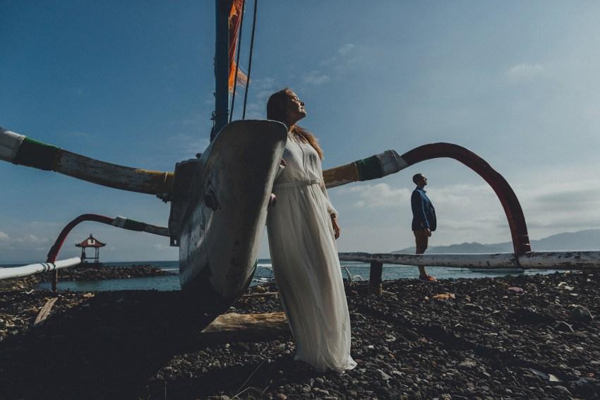 baliweddingphotographers-weddinginkarangasembukitasah-engagementphotography-elopmentweddinginbali-pandeheryana-lombokweddingphotographers-lembonganwedding-apelphotography-18