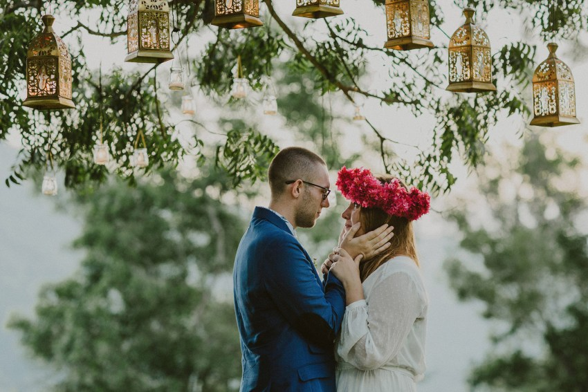 baliweddingphotographers-weddinginkarangasembukitasah-engagementphotography-elopmentweddinginbali-pandeheryana-lombokweddingphotographers-lembonganwedding-apelphotography-53