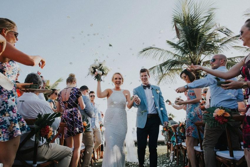villaatasombakwedding-baliweddingphotography-pandeheryana-apelphotography-bestweddingphotographersinbali-51