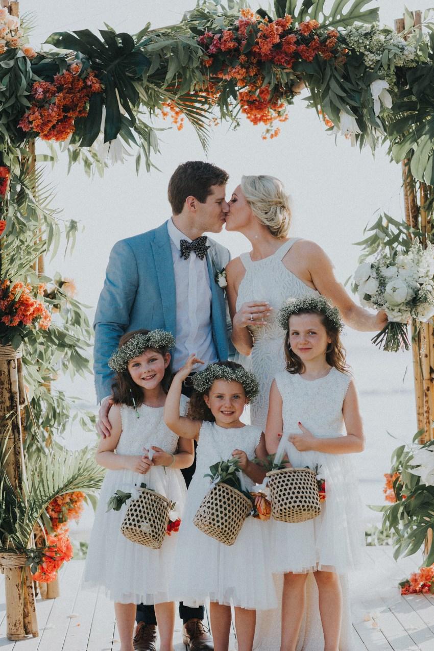 villaatasombakwedding-baliweddingphotography-pandeheryana-apelphotography-bestweddingphotographersinbali-55
