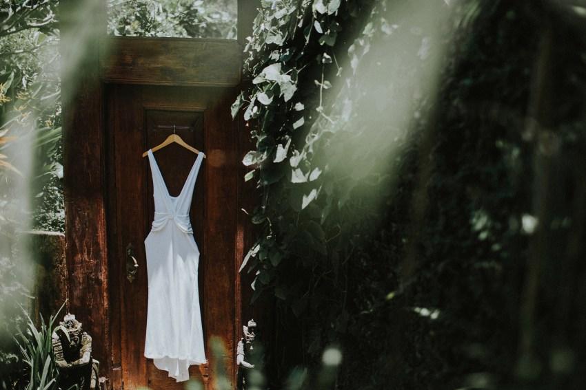 apelphotography-baliweddingphotography-lombokwedding-lembonganwedding-uouwatusurfvillawedding-bestweddingphotographersinbali_21