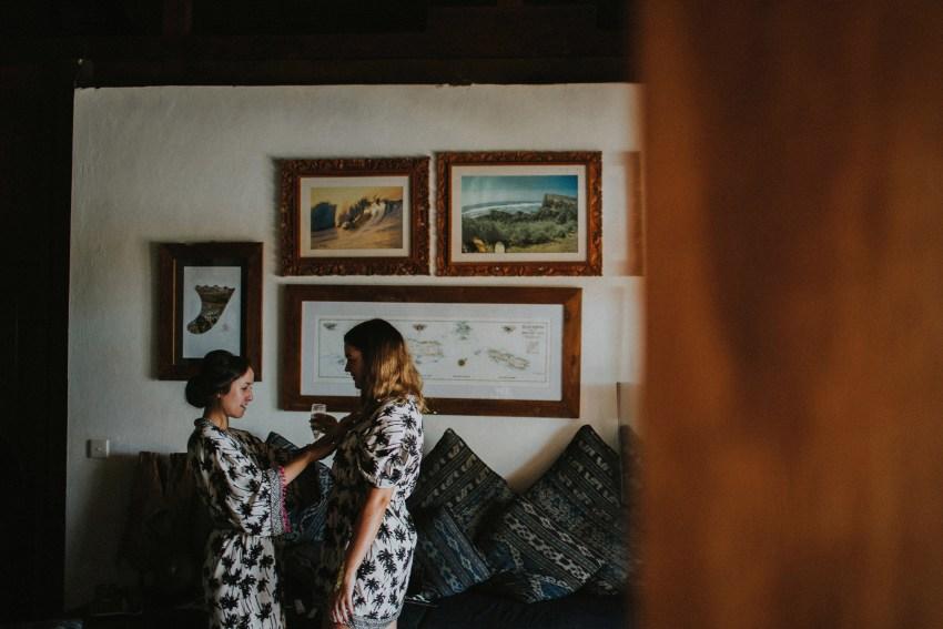 apelphotography-baliweddingphotography-lombokwedding-lembonganwedding-uouwatusurfvillawedding-bestweddingphotographersinbali_30