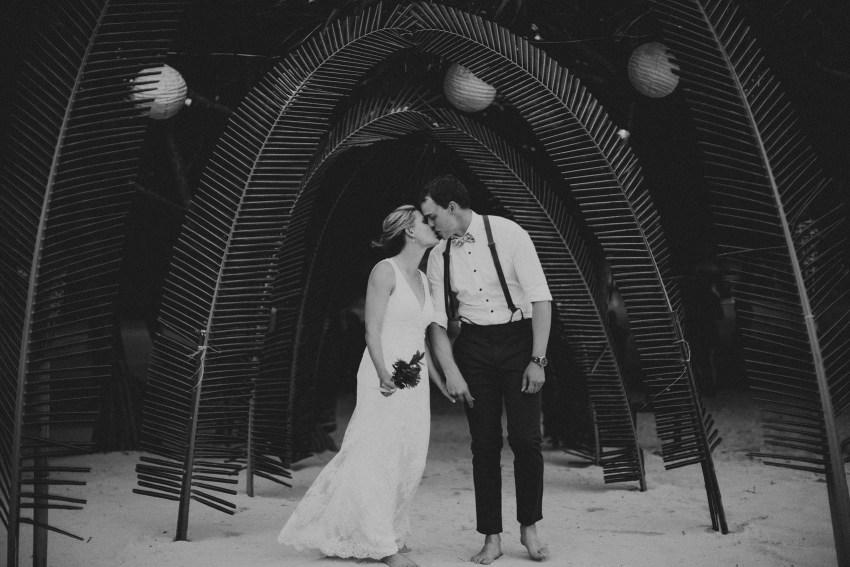 apelphotography-baliweddingphotographers-lombokweddingphotographers-sirabeachhousewedding-villasepoisepoi-lembonganwedding-68