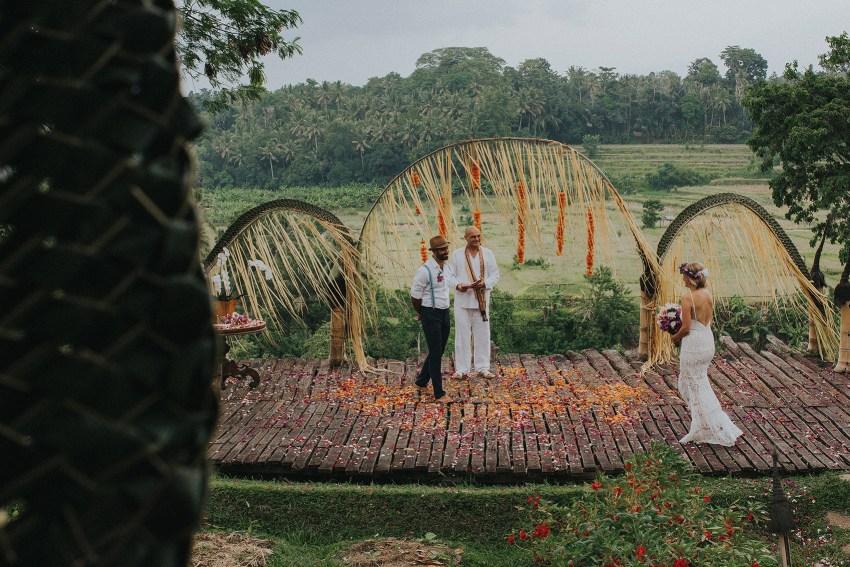 pande-bambuindahresortubudwedding-baliweddingphotographers-apelphotography-29