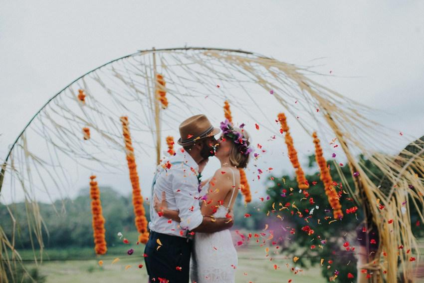 pande-bambuindahresortubudwedding-baliweddingphotographers-apelphotography-55