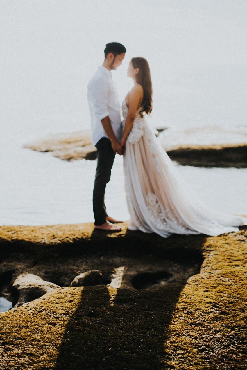 balipreweddingphotographers-pandeheryana-engagementphotography-baliweddingphotographers-melastibeachuluwatu-17