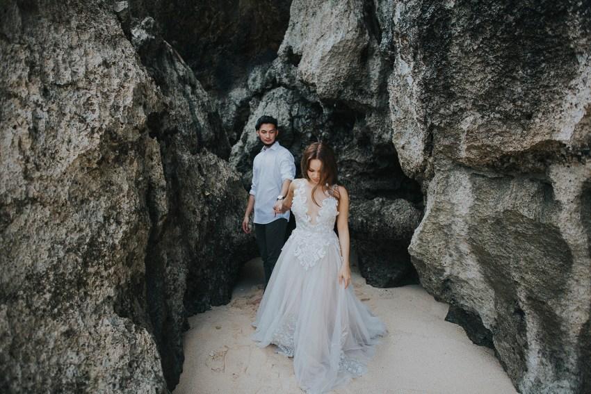 balipreweddingphotographers-pandeheryana-engagementphotography-baliweddingphotographers-melastibeachuluwatu-3