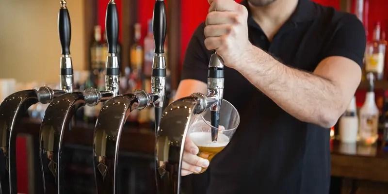 https://i0.wp.com/www.apetitoenlinea.com/wp-content/uploads/2016/05/bartender-beer.jpg?resize=800%2C400&ssl=1