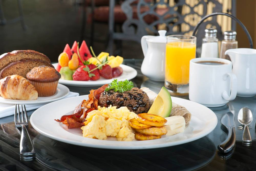 https://i0.wp.com/www.apetitoenlinea.com/wp-content/uploads/2018/08/Brunch-CR-Marriott.jpg?resize=1000%2C667&ssl=1