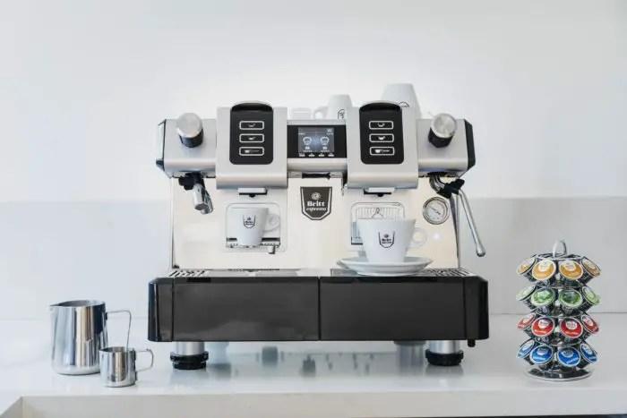 Préstamo de máquina de café para restaurante