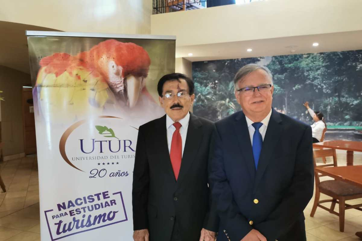 UTUR suscribe alianza con institución número uno en Programas de Hospitalidad en línea de Estados Unidos
