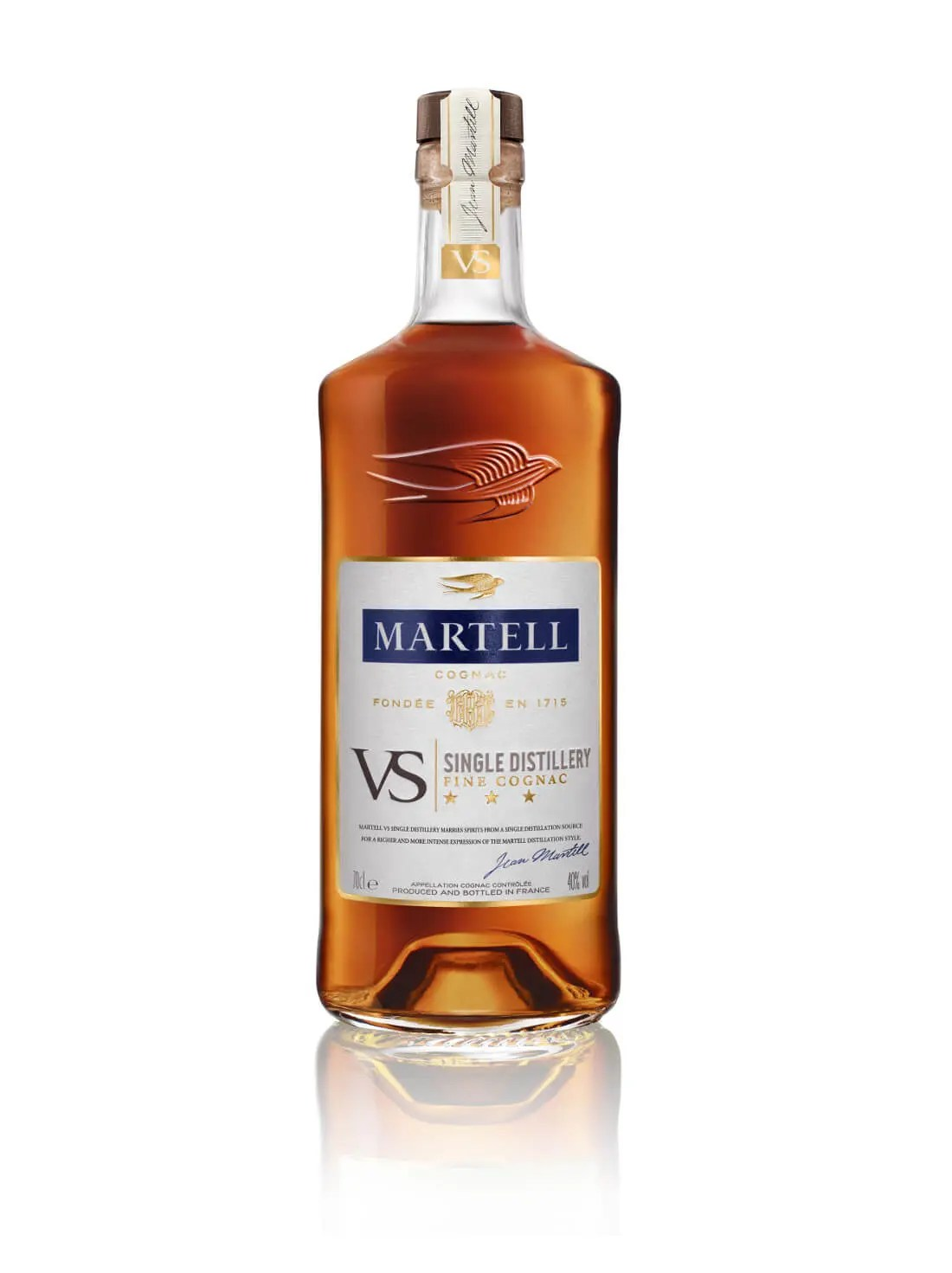 martell-vs-single-distillery-bottle-front-70cl-white-backg-low-res