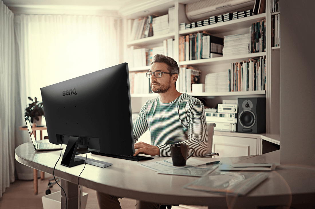 How a Computer Monitor Improves Productivity - Three of The Best