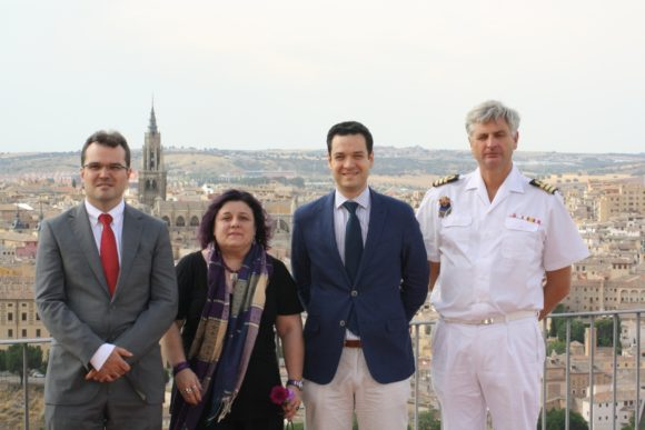 Andrés Martínez, Pilar Requena, Manuel R. Torres y el Capitán de Fragata Federico Aznar