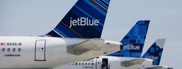 """jetblue passengers arrested after fight"""