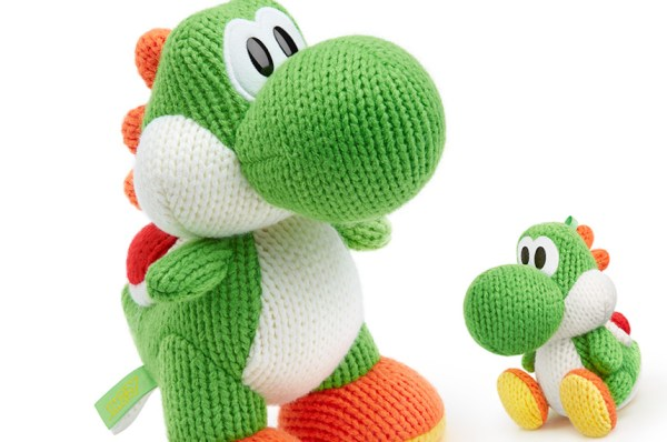 """""""giant yarn yoshi made available by nintendo"""""""