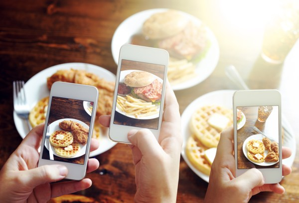 """""""two scientists design an app that records eating patterns"""""""