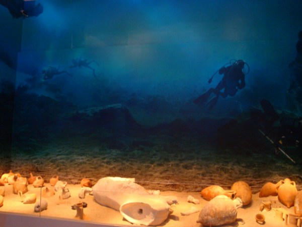"""""""antikythera shipwreck reveals 50 more items in 2015"""""""