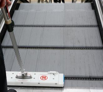 nettoyage des escalators - REN - distributeur -apfn hygiène