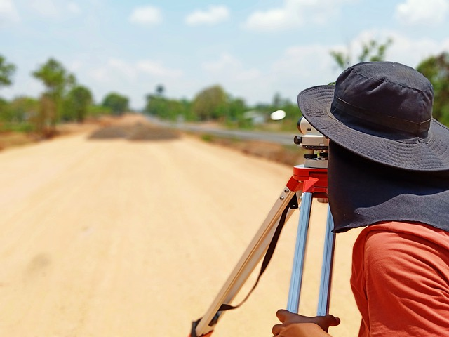 The origin of our specialized software development is land surveying