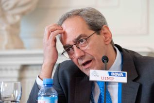 Un momento de la intervención de Jose Manuel González-Paramo en la segunda jornada del curso de la APIE.