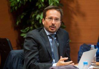 Jose Ignacio Conde-Ruiz, subdirector de FEDEA, durante su ponencia en la segunda jornada del Curso de Periodismo de APIE.