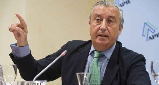 Julio Gómez-Pomar, presidente de RENFE, durante el desayuno de prensa organizado por APIE.
