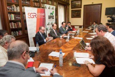 Un momento del desayuno informativo organizado por APIE con SGR-CESGAR sobre Sociedades de Garantía Recíproca y financiación y pymes y autónomos.