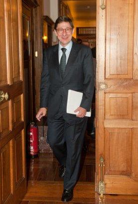 Jose Ignacio Goirigolzarri, presidente de BANKIA, a su llegada al Curso de Verano organizado por la APIE en la Universidad Internacional Menéndez Pelayo.