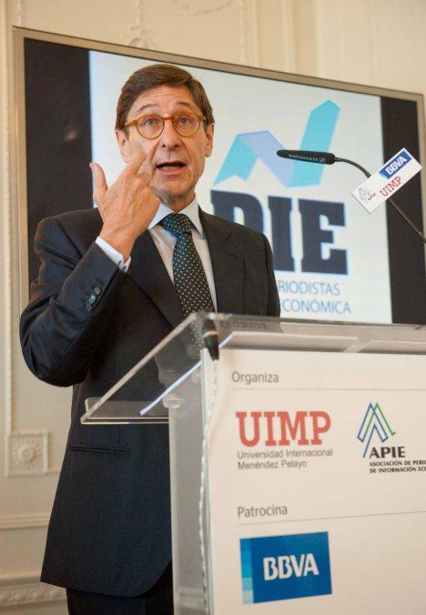 Jose Ignacio Goirigolzarri, presidente de BANKIA, durante su intervención en el Curso de Verano organizado por la APIE en la Universidad Internacional Menéndez Pelayo.