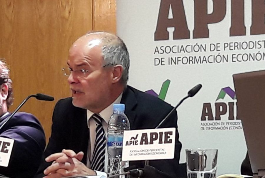 Antoni Castells, director de EuropeG, en un momento del acto de presentación organizado por APIE del informe La Banca en la Eurozona