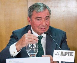 Javier Vega de Seoane, Presidente del Cïrculo de Empresarios,durante el acto organizado con APIE de presentación del Informe sobre la Empresa Mediana Española 2016.