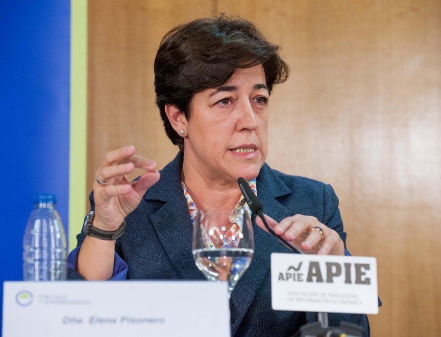 Elena Pisonero, presidenta de Hispasat, durante el acto organizado con APIE de presentación del Informe sobre la Empresa Mediana Española 2016.