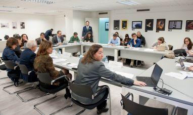Un momento de la presentación del XII Informe Juntas Generales de Accionistas 2016 a cargo de Susana Graupera.
