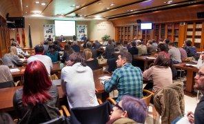 Vista general de la biblioteca de la Asociación de la Prensa de Madrid durante la presentación del informe 12p sobre inversión publicitaria en medios.