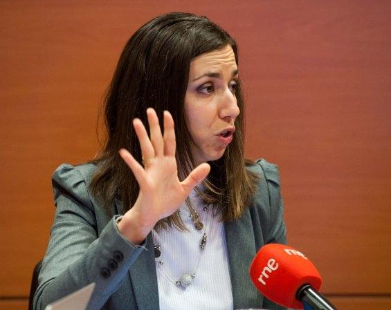 Sara Rodríguez, Manager de Asuntos Públicos y Relaciones Institucionales de Adigital, durante el debate sobre economía colaborativa organizado por APIE en su XXX Curso de Economía para Periodistas.