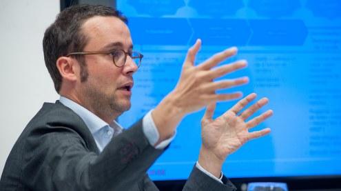 Antón Alfaya, Managing Director de TDX Indigo, en el desayuno de prensa organizado por APIE.