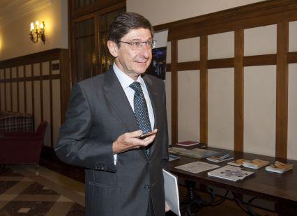 Jose Ignacio Goirigolzarri, Presidente de Bankia, a su llegada al curso de economía organizado por APIE en la Universidad Internacional Menéndez Pelayo de Santander.