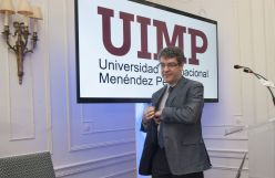 Álvaro Nadal, Ministro de Industria, Energía y Agenda Digital, durante su intervención en el curso de economía organizado por APIE en la Universidad Internacional Menéndez Pelayo de Santander.