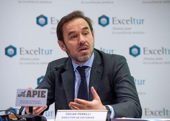 Oscar Perelli, Director de Estudios de Exceltur, durante la presentación del informe celebrada en colaboración con la Asociación de Periodistas de Información Económica (APIE).