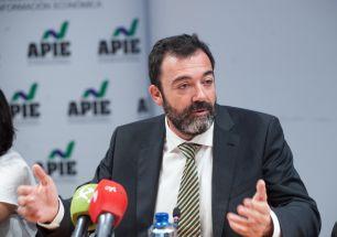 César Cantalapiedra, socio de Analistas Financieros Internacionales (AFI), durante la mesa redonda sobre financiación autonómica celebrada en la segunda jornada del XXXI Curso de Economía organizado por la APIE.