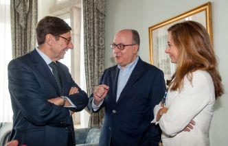 Jose Ignacio Goirigolzarri (Bankia), Jose María Roldán (AEB) y Alicia Pertusa (BBVA), ponentes de la tercera jornada del Curso de Economía organizado por APIE en la Universidad Menéndez Pelayo de Santander.