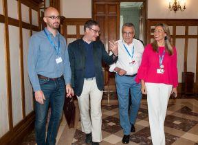 De izquierda a derecha, Nacho Álvarez (Podemos), Álvaro Nadal (Partido Popular), Manu Escudero (PSOE), y Susana Solís (Ciudadanos), los participantes en el debate político organizado en el Curso de Economía de APIE en la UIMP de Santander.