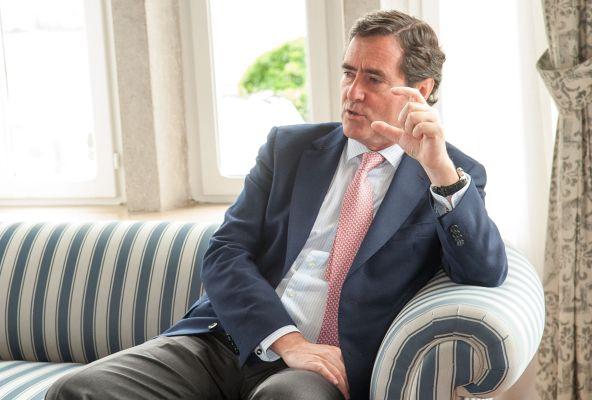 Antonio Garamendi, Vicepresidente de la CEOE y presidente de Cepyme, antes de su intervención en el Curso de Economía organizado por APIE en la Universidad Menéndez Pelayo de Santander.