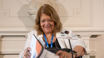 Elvira Rodríguez, presidenta de Tragsa, durante su intervención en el Curso de Verano organizado por la APIE en la Universidad Menéndez Pelayo de Santander.