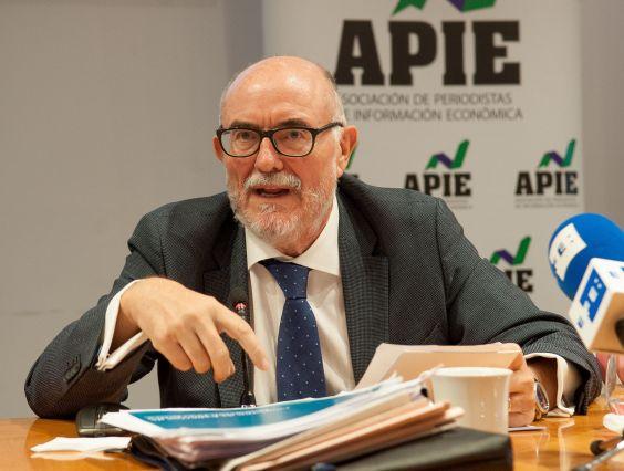 Arcadio Gutiérrez Zapico, director general del Club Español de la Energía, durante su intervención en la jornada del Curso de Economía de APIE dedicada al sector energético.