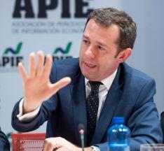 Juan Velayos, CEO de Neinor Homes, durante su intervención en la mesa redonda dedicada al sector inmobiliario en el XXXI Curso de Economía organizado por APIE.