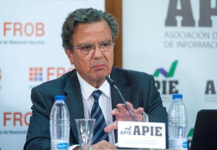 Javier Torres Riesco, Director de Resolución y Estrategia del FROB, durante la jornada formativa sobre resolución bancaria organizada conjuntamente con APIE.